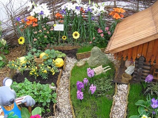 цветочная композиция мини-огород