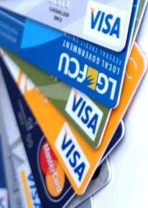 Банковские карты постепенно вытесняют наличные деньги
