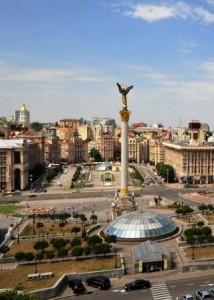 Украинцы отказываются от вкладов в гривнах