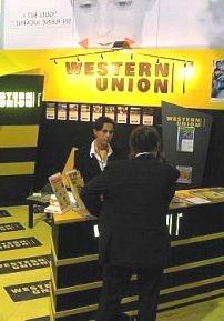 Western Union теряет в России большие деньги