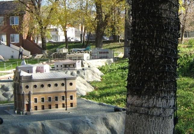 Бизнес на курорте: сад миниатюр в Бахчисарае