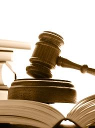 Мосжилинспекция лишит прав двух владельцев недвижимостью