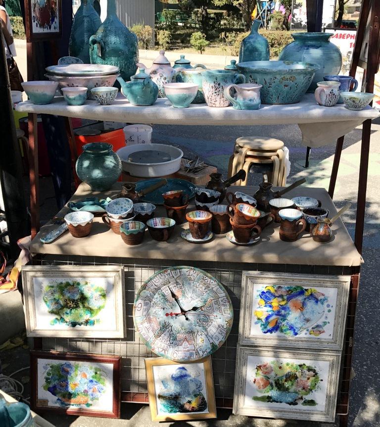 Торговля глиняной посудой в Коктебеле